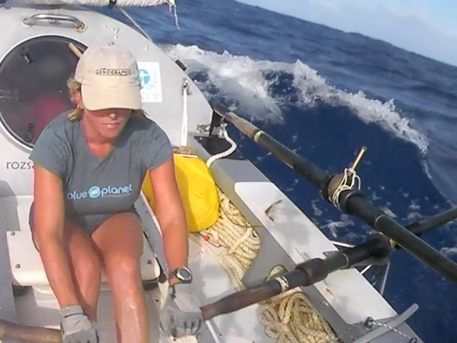 Pacific Stage 2 - rowing the waves
